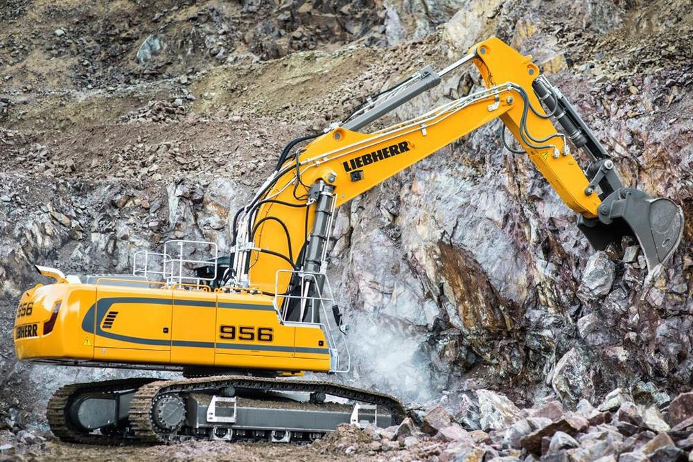 Liebherr R956 crawler excavator digging rocks