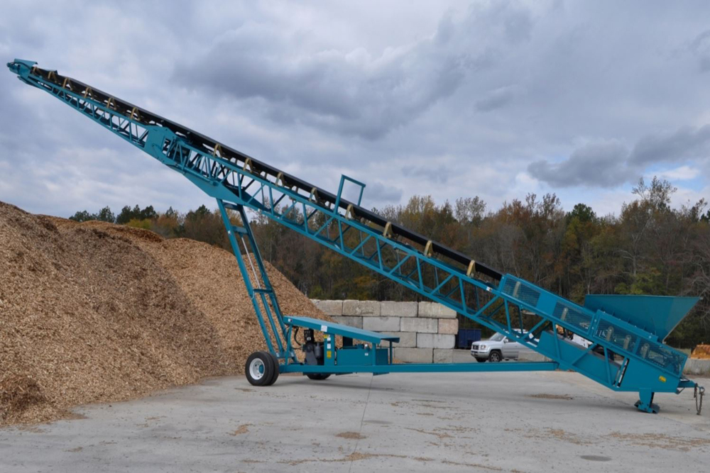 MGL 8036 conveyor working in an aggregate environment