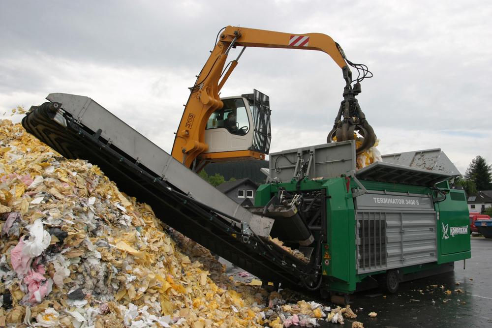 Komptech Terminator shredding waste